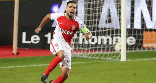 "Monaco's Colombian forward Radamel Falcao celebrates after scoring a goal  during the French  L1 football match Monaco (ASM) vs Nancy (ASNL) on November 5, 2016 at the ""Louis II Stadium"" in Monaco.   / AFP PHOTO / VALERY HACHE"
