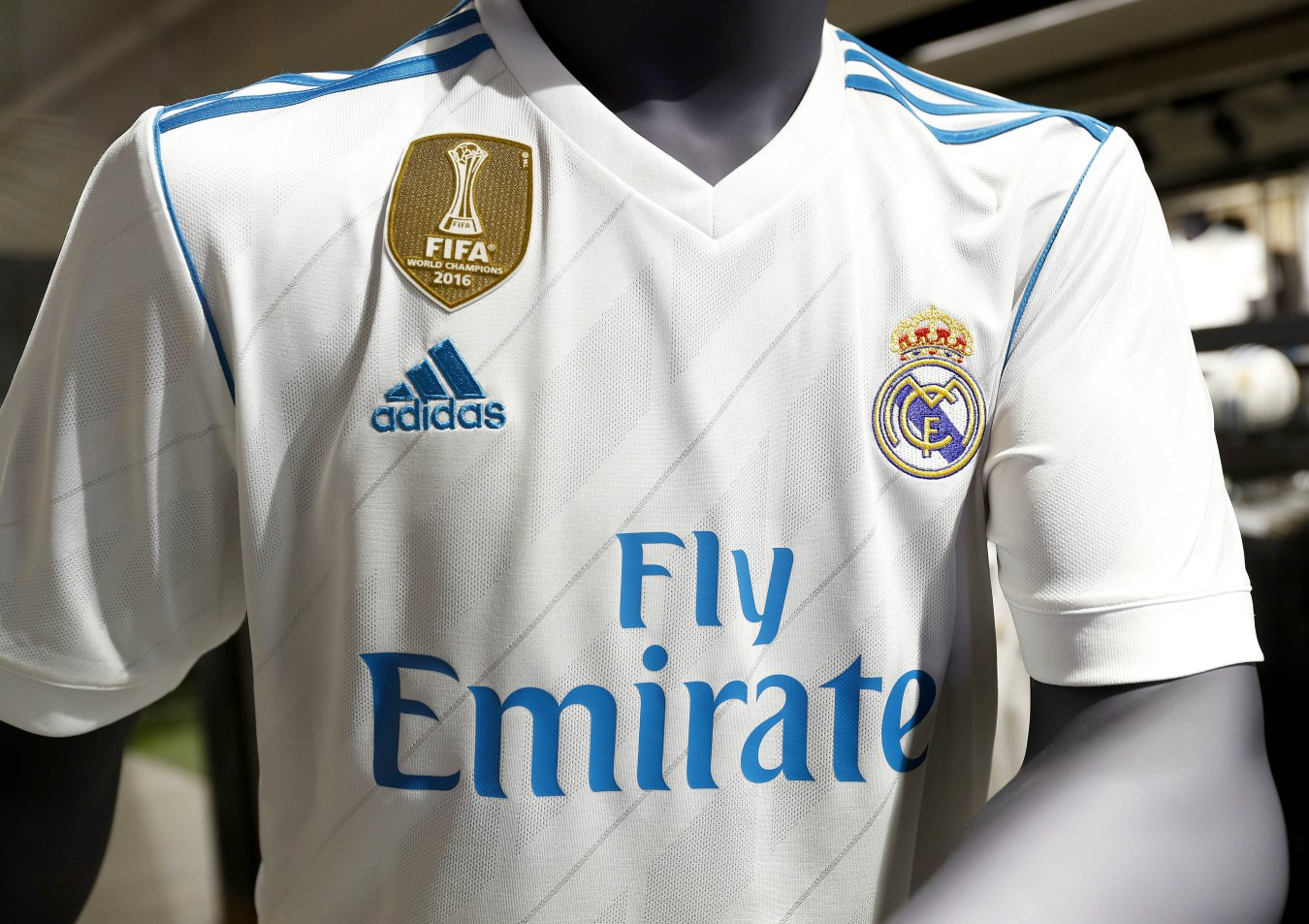 3b0123f1530a8 El Real Madrid presenta sus camisetas para la 2017-2018 - AS Colombia